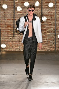 Model-Kenneth-Cole-SpringSummer-2014-New-York-Fashion-Week-Dailymalemodels-02